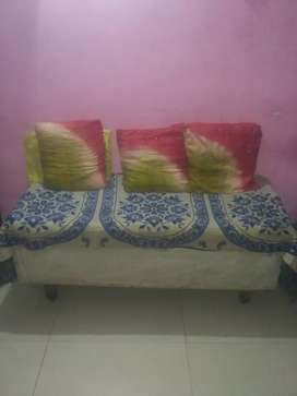 3 seater Sethi in very good condition