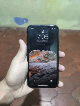 Iphone 11 64gb black color