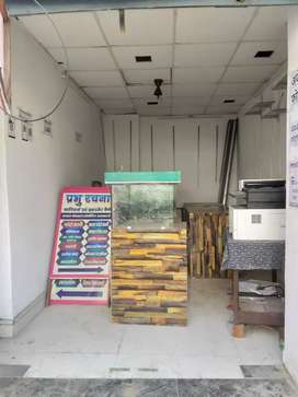 100 sqft shop for rent at kakadev coching mandi.