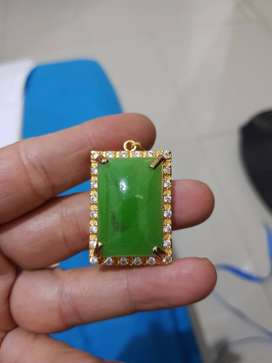 kalung leontin batu giok jadeite jade