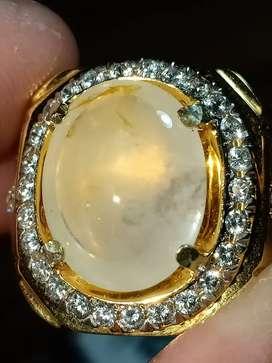Mirah cempaka milky sapphire Ceylon Srilanka 8.5ct