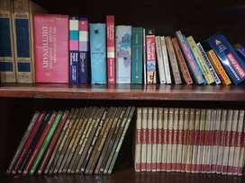 Jual buku ensiklopedia,politik,dll harga 30 rb per pcs