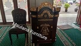 Mimbar podium masjid untuk pengajian.