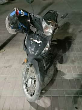 Power Scooty Black for sale semi automatic clutchless