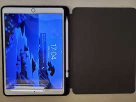 5 Months old iPad Air 3 with Appel pencil, bill warranty and case