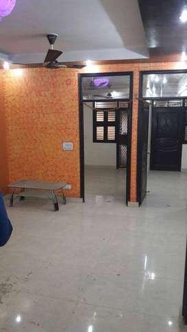 3 bhk floor 75 gaj with car parking with lift in uttam nagar west