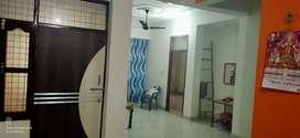 2,bhk flat (location dwarika Puri sankant moachan colony)