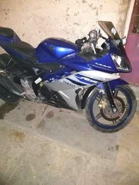 Urged sale bike Yamaha R15