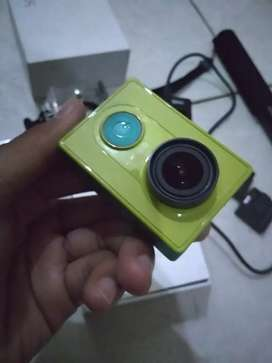 Camera Xiaomi Yi Action International + Kelengkapan