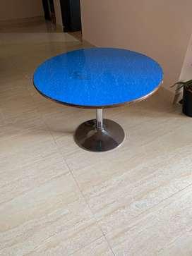 Kids table ( Rotating)