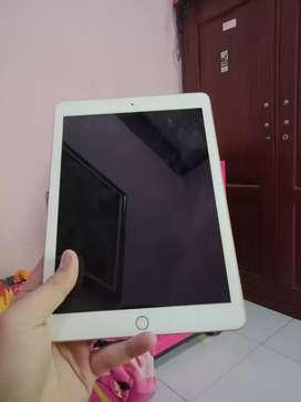 Apple Ipad 6 32gb gold ibox