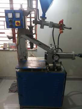 work at home plastic moulding machine 2 lackh price negotiable