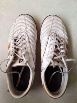 Adidas Adi Nova White Gold Special Edition Real Madrid
