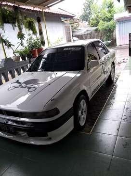 Mobil Mitsubishi eterna 89