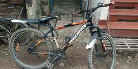Dubul disc beark cycle only 1 mounth use