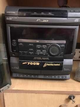 Samsung mini component Audio system (MAX-810)