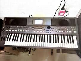 PSR S670 SYNTHESIZER 5 MONTHS OLD WITH 5.1 F&D CHANNEL HOME THEATER