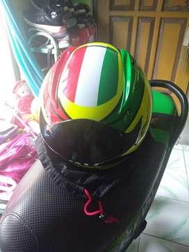 Di sini saya menjual helm kyt