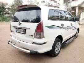 Toyota Innova 2.5 G 7 STR BS-IV, 2010, Diesel