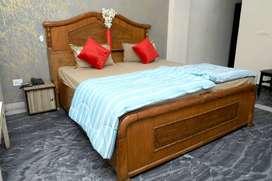 Noida City Centre Furnished Single/Sharing Rooms No Brokerage