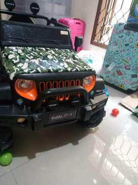 Mainan mobil aki accu batery model jeep