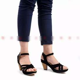 Sepatu pluvia (pluvia shoes)