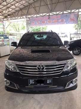 Toyota Fortuner G Diesel M/T 2013/2014, mobil antik dan mulus pajero