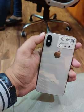 iPhone XS - 64gb - Gold - January 2020 Tak apple Warranty - Gst bill