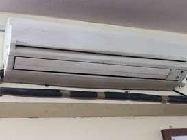 2.2 ton Daikin Inverter AC 5 star rating