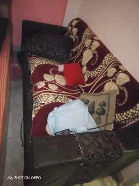 5 seeter sofa
