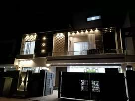 11 Marla Brand New House in Bahria Town Lahore