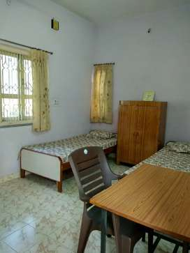 Room on rent Rs.3000.