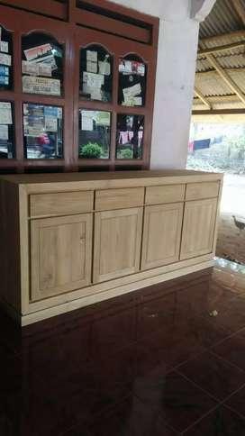 Bufet minimalis. Bahan dari kayu jati berkualitas