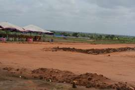 All facing plots avilable for sale at sadasivpet Rs.6500 per sqyds
