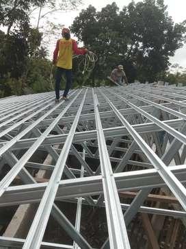 Atap baja ringan terpasang