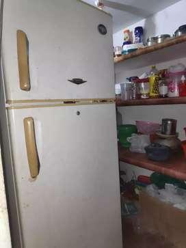 DAEWOO Double door fully working condition Fridge at perumbavoor