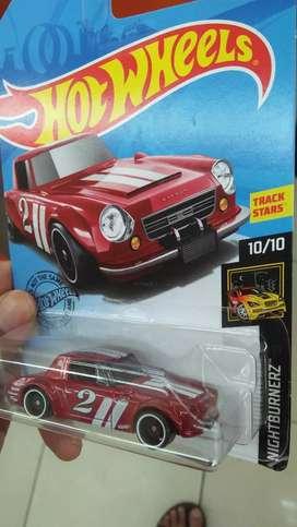 Hot wheels Datsun 2000