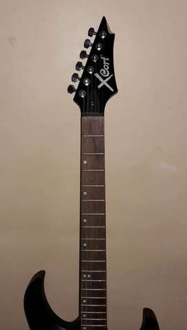 XCORT ELECTRIC GUITAR LIKE BRAND NEW
