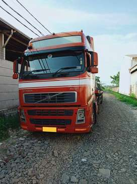 volvo truck (Tractor Head)
