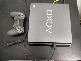 PS4 Slim 1TB special edition + 2 games