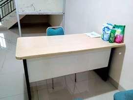 Meja kerja manager