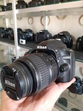Nikon D3200 Like new