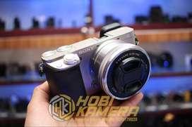 Kamera Mirrorless Sony A6000 Lensa 16-50mm AF Ois Silver