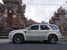 Ford escape 2010 asli Bali istimewa