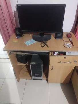 HCL desktop with big screen.