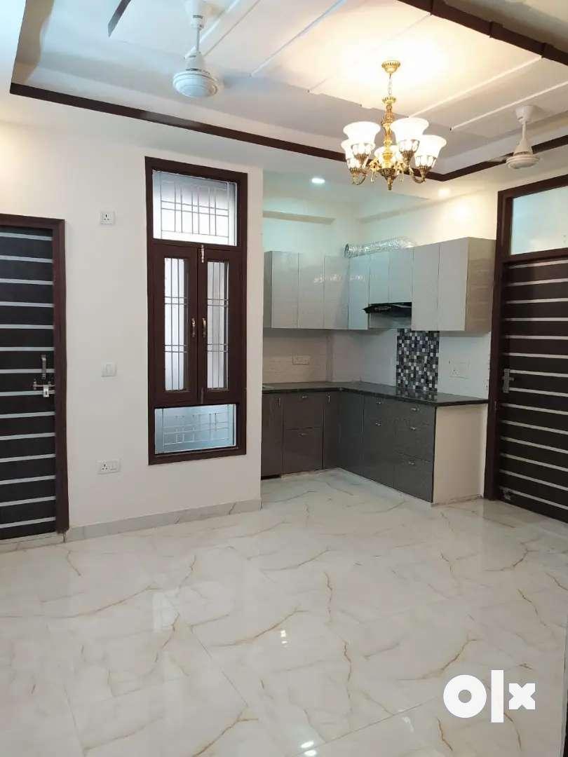 Fully Ventilation 2 BHK FLAT Just 35 Lakh in Hans Enclave, Gurgaon