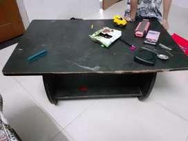 Center table sale karna h