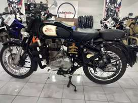 Classic 2017 model in immaculate condition.