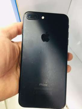 Iphone 7 plus mate black 32 gb 10 by 8 condition