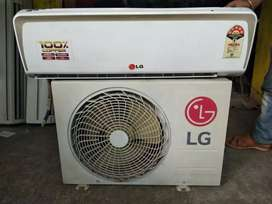 WE are selling second hand split ac with all types of brand